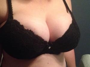 Morning! Big Ol' titties. [f]