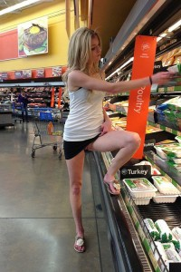 Pussy in supermarket [IMG]