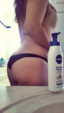 (F)resh out the shower. It puts the lotion on the skin!