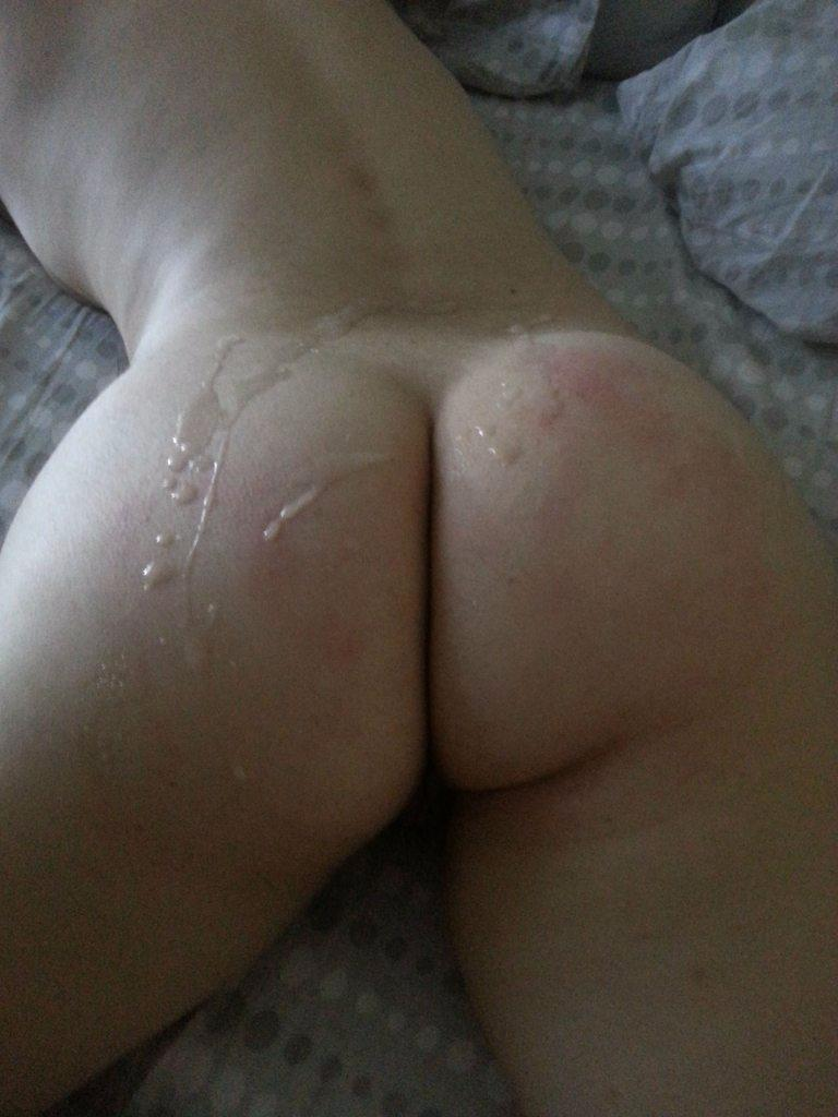 She loves when I cum on her ass [f]