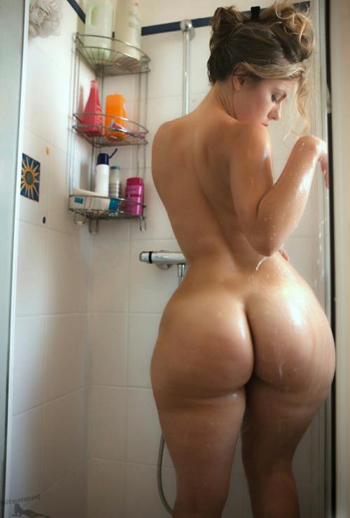 частное порно фото мамы с большими бедрами