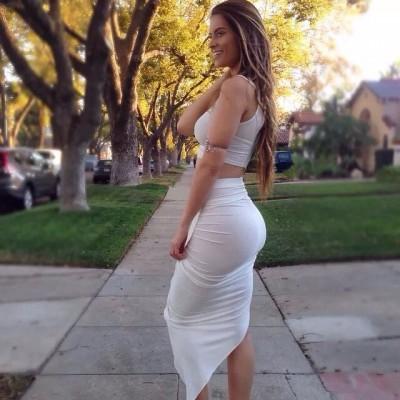 Curvy in white