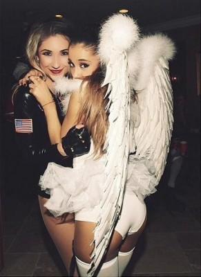 Ariana grande in angel wings.