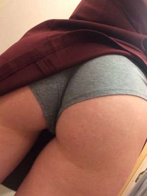 Bang my boyshorts (F)