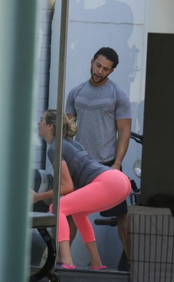 Kate Upton working out