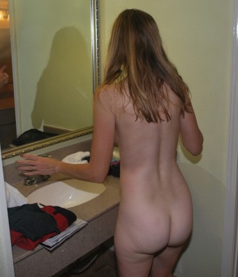 Candid 45-year-old MILF rear view