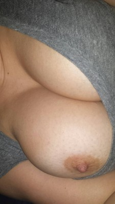 Wide awake and nobody will answer me (f)