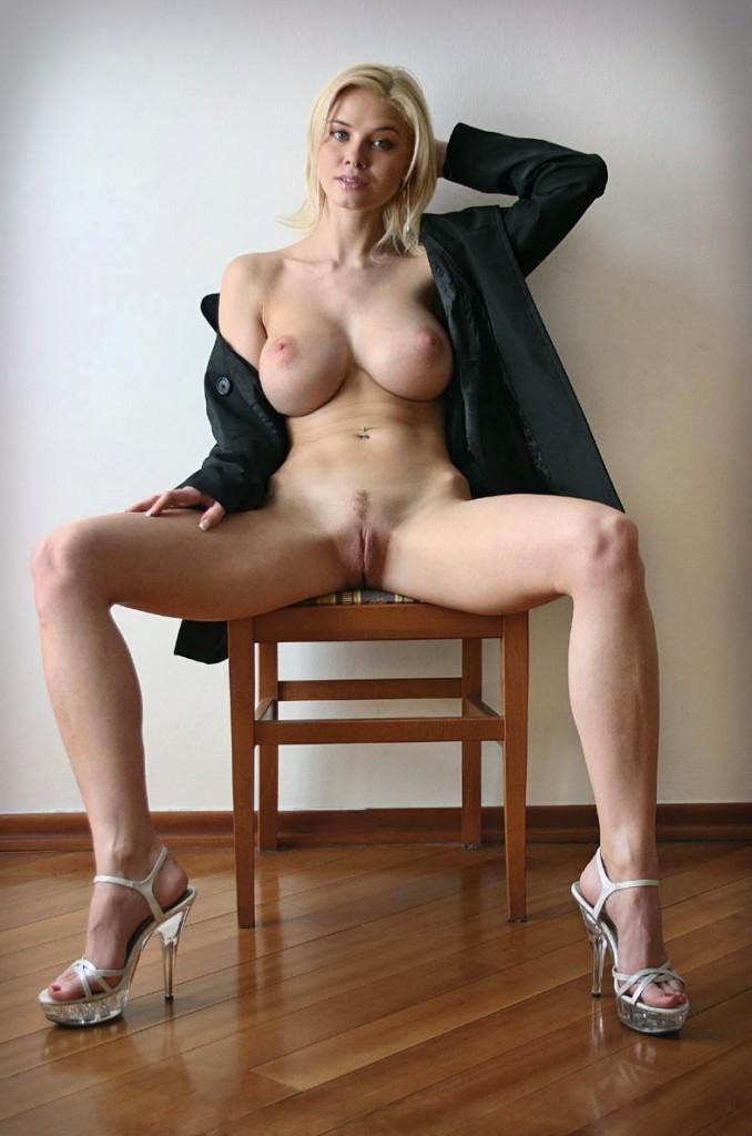 ноги в сторону фото голых