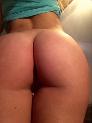 Monday's are [F]or booty pics (PM me) ;)