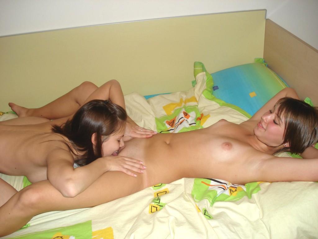 порно фото молодых лезбиянок