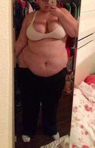 Slumming it on my night of[f] :) iso tummy rubs and sex