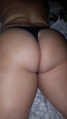 Hows my butt look? (F)