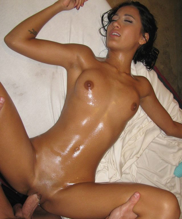 Amia Miley oiled and pleasured
