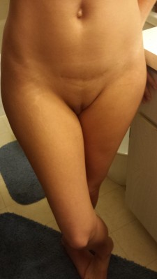 Just Showing a little leg.. that's not wrong is it? (f)