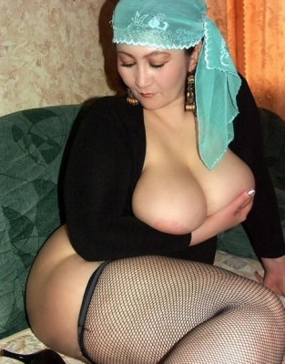 Thick woman in stockings