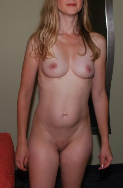 45-year-old wife and mother of two in all her natural glory. :)