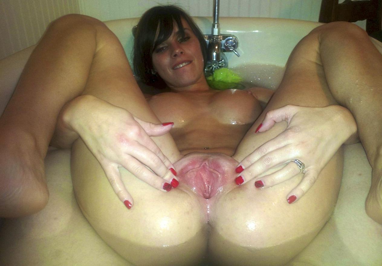 Фото голых девушек с месячными, Анальный секс во время месячных секс фото и порно 14 фотография