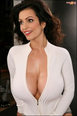Denise Milani: miss her :/