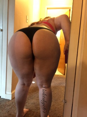 A[F]ternoon Delight. Young Milf