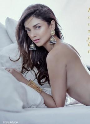 Aditi Rao Hydari Topless