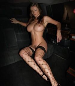Back seat cruisin' (x-post /r/nsfw)