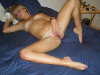 Blonde babe likes to show it (AIC)