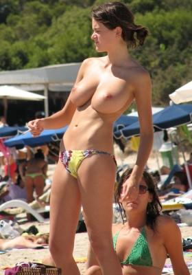 Amazing beach boobs