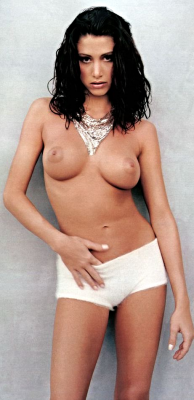 Here's an oldie but goody of Shannon Elizabeth.