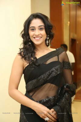 It's Christmas. I present you the cute Regina Cassandra