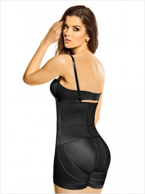 Love this Latex Strapless ‪‎Bodysuit‬ with Booty Booster