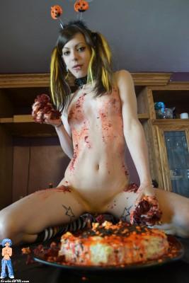 Mary Jane - Halloween Cake Mess!