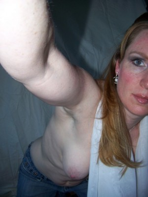 One tit selfie