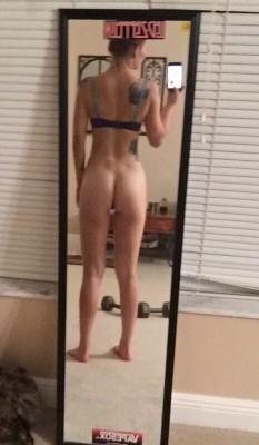 Pantsless workout (f)