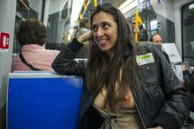 Tits in public transport [IMG]
