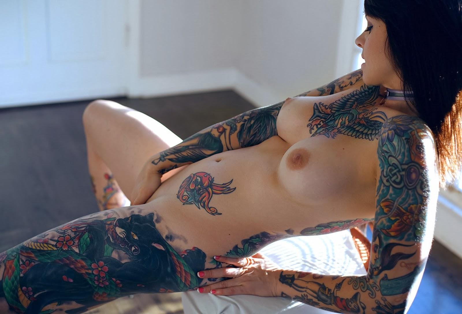 Фото татуированные голые девки 10 фотография