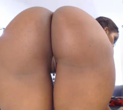 Would you like to see some FAT BLACK ASS? Live now @ http://goo.gl/ZyvymR