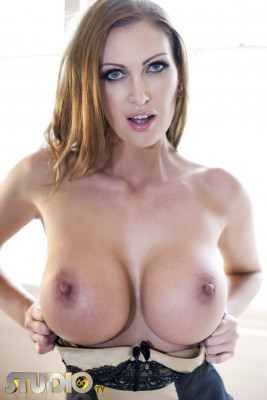 Leigh Darby - strong rack