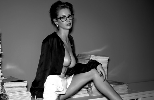 hot secretary is hot