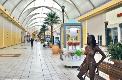 naked in the mall