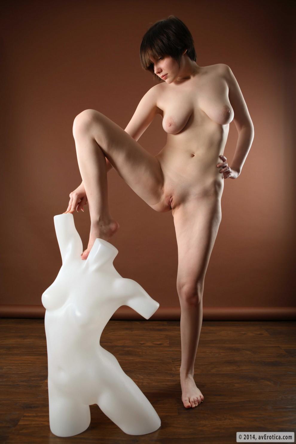 Free erotic poses smut pics