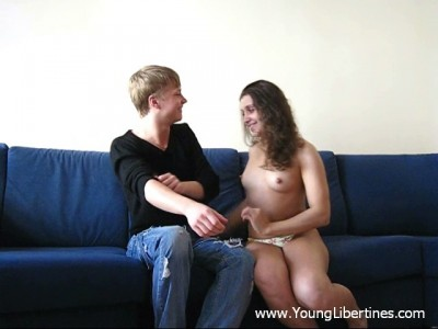 Teenager fuck on a settee