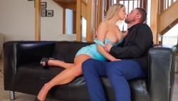 Golden-haired cutie Sienna Day receives stuffed by big man sausage !