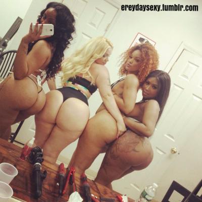 4 Curvy Babes