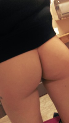 Back To Work Bare Ass [F]