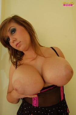 Busty Milena