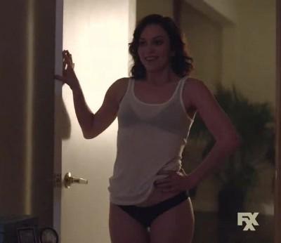 """Britt Lower in """"Man Seeking Woman"""" [S01E09]"""