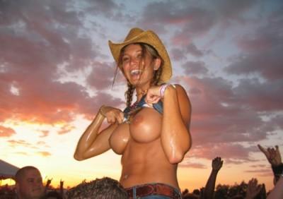 Cowgirl flashing