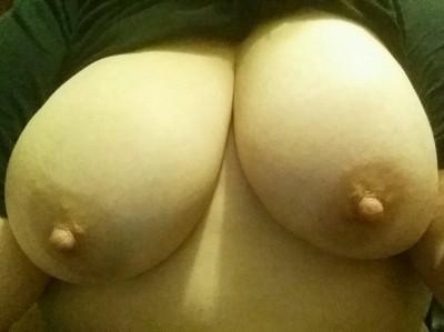 Do you like my big tits? (F)