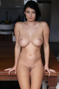 Does Lucy Li have the most beautiful pussy ever? [MIC]
