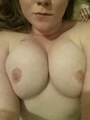 [F] Lonely night. Keep me company? ;)